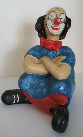 35141-1.B   Clown mit verschränkten Armen, Kleid zweierlei Blautöne   1987