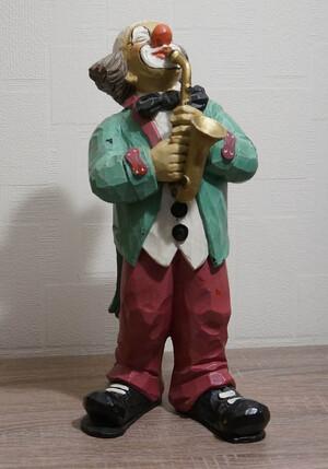9081.80.a   Saxophonist, grüner Frack