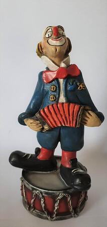 14103   Akkordeonspieler auf Pauke   1986