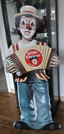 Aufsteller 17   Pappaufsteller Gilde Clown ca. 1,50 m