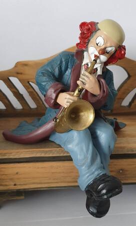 35363   Regalsitzer, Saxophonist   1993