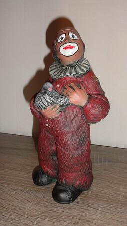 2622.80.b   Clown mit Taube, rot
