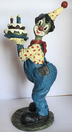 V 018   Clown mit Torte