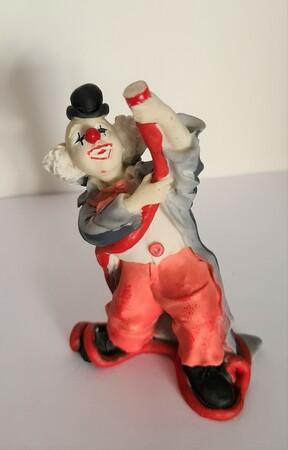 V 027   Clown mit Spritzenschlauch