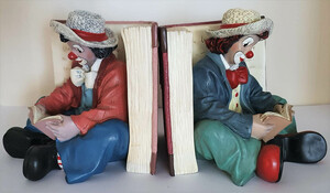 35798   Buchstützen Die Belesenen   1998