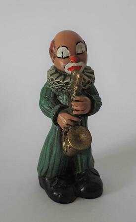 2862.80  Saxophonist