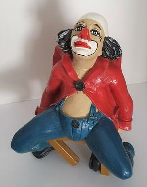 35172-1.A   Knax auf Stuhl, rot/blau   1988