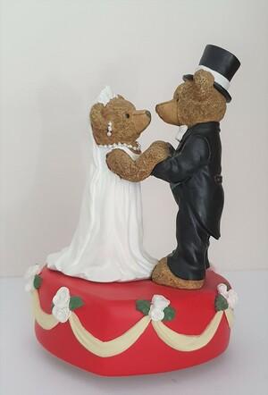37010.B   Brautpaar auf Spieldose
