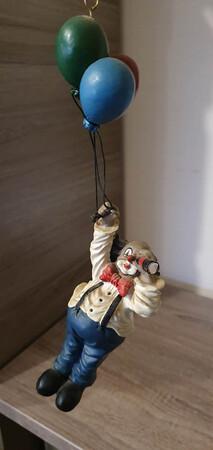 V 005   Clown mit Luftballons; geht in die Höhe