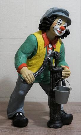 35750-1   Clown mit Schwengel Pumpe   1997