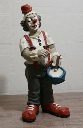 9086.80   Trommler, roter Hut, graue Hose   vor 1986