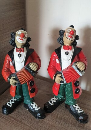 35136-1.A   Clown, Akkordeon   1987