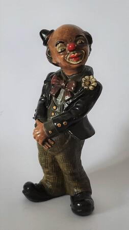 2603.80   Clown mit schwarzem Frack, scheuer Blick, Hütchen