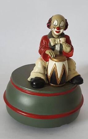 35671   Spieldose Trommler   1996